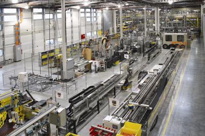 Op meer dan 70 verschillende proefstanden worden voortdurend nieuwe standaardproducten en klantspecifieke kabelrupsen getest.