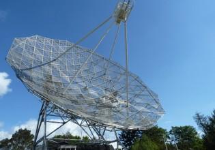 Radiotelescoop te Dwingeloo, stichting CAMRAS. Monument van de Aandrijftechniek