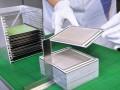 Productie van een gestapelde cel (engl. Stacks) bij het Fraunhofer IKTS. (foto: Fraunhofer IKTS