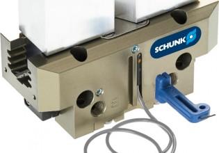 De Schunk magnetische schakelaar MMS-A wordt direct geïntegreerd in de C-sleuf van grijpers