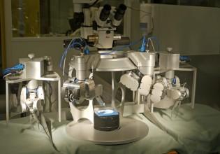 Prototype van de MSR operatierobot bij MicoSure