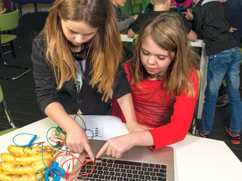 Codeklas Onderbouwt Noodzaak Programmeren At Aandrijftechniek