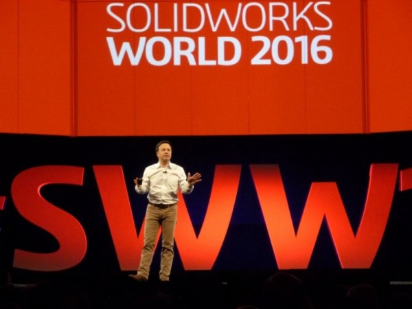 SolidWorks-CEO Gian Paolo Bassi tijdens de Solid Works World 2016 in Dallas: 'Technology is not enough, new thinking is needed.' (foto's: Paul Quaedvlieg)