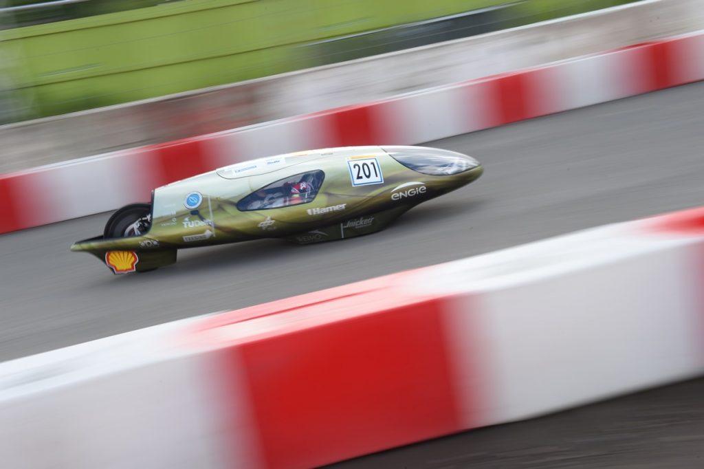 Ecorunner VI, een waterstof prototype voertuig van Eco-Runner Team Delft van TU Delft in actie (foto: Shell)