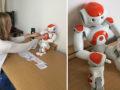 mens reageert emotioneel op robot