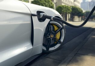 Porsche Taycan charging 800 Volt