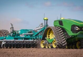 John Deere autonomous tractor
