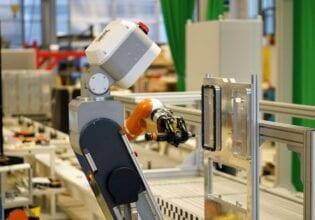 Fraunhofer IFF robot lopende band