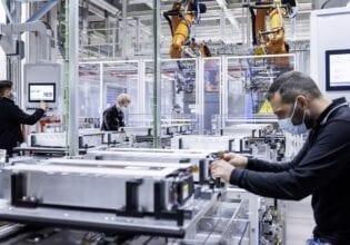 Festo Mercedes benz production batteries